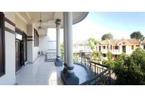 Villa Bukit Indah Strategis Terawat