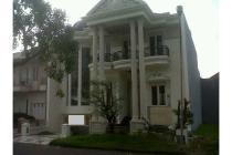 Dijual Rumah Classic Lingkungan Elit di Villa Bukit Regency 3 Surabaya