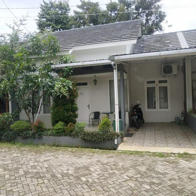 Rumah Bekasi Hijau dan Asri Dekat Pintu Tol Jatiwarna