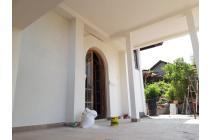 Dijual Villa Kawasan aman dan Nyaman, dekat pantai Lovina