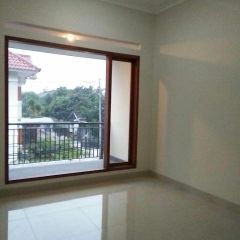 Rumah siap huni di sayap buah batu Bandung
