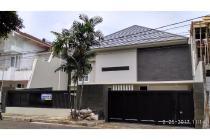 Rumah Luas Full Furnished di Bona Indah