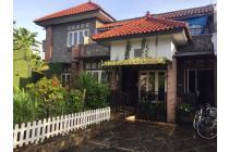 Rumah di suasana Bali di Perumahan Bali View Cirendeu