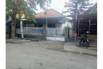 Rumah STRATEGIS, Row 4mobil di Pucang Adi