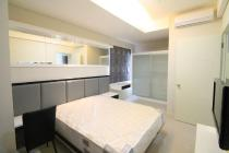 2 Bed Room Apartemen Cosmo Park, Town House @ Thamrin City