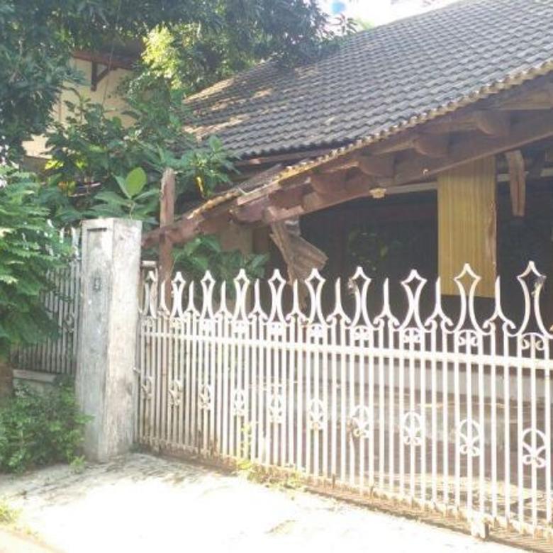 Rumah tua hitung tanah di daerah hang lekiu, lokasi tenang,