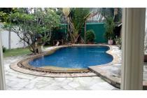 Rumah Saidi Cipete dijual cepat ada kolam renang, HUB 0817782111
