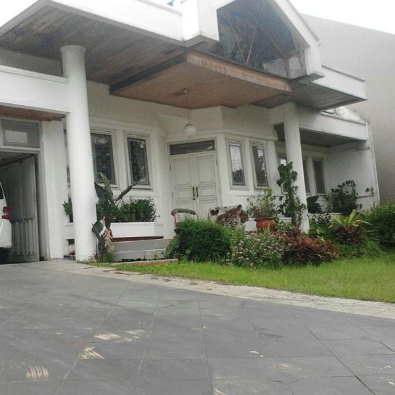 Rumah Mewah Asri Setrawangi Bandung