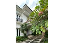 Beautiful House with garden in Cipete Area