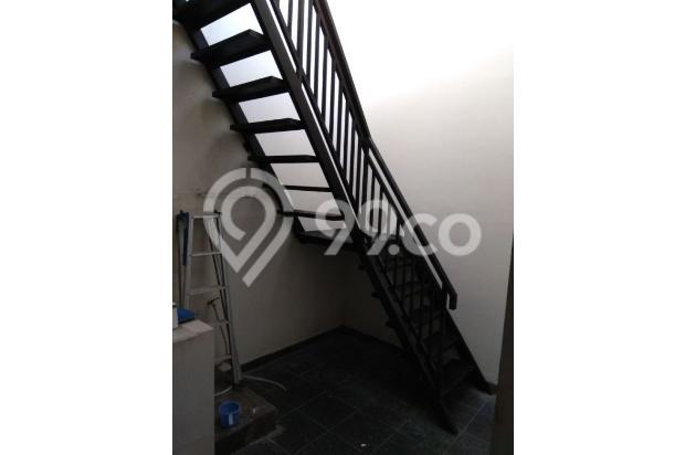 Rumah 2,5 lantai full furnished di Puri Mansion 13961031