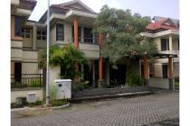 Rumah Istimewa di Unimas Garden Regency , Waru