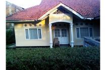 Dijual Cepat: Rumah di Bojong Herang, Cianjur, Tanah Luas, Banyak Rumah