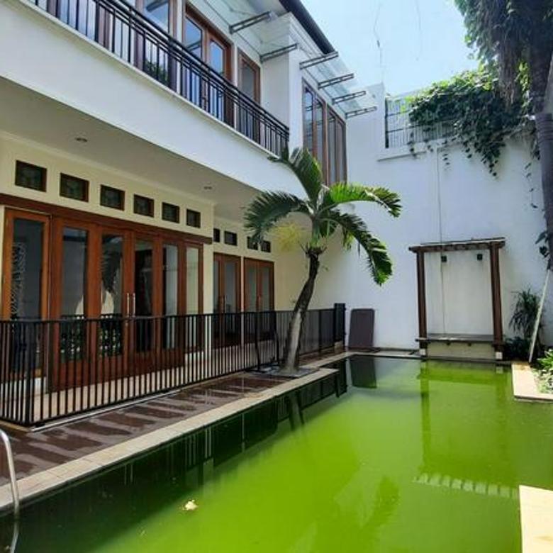 Rumah di Kebayoran Baru, Jakarta Selatan ~ Lokasi Prime ~ Design Layout Bagus