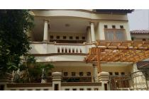Rumah full renoved 2 lantai siap huni luas 10x20 200m2 type 4+1KT Komplek Cluster Swadaya Pondok Kelapa Jakarta Timur