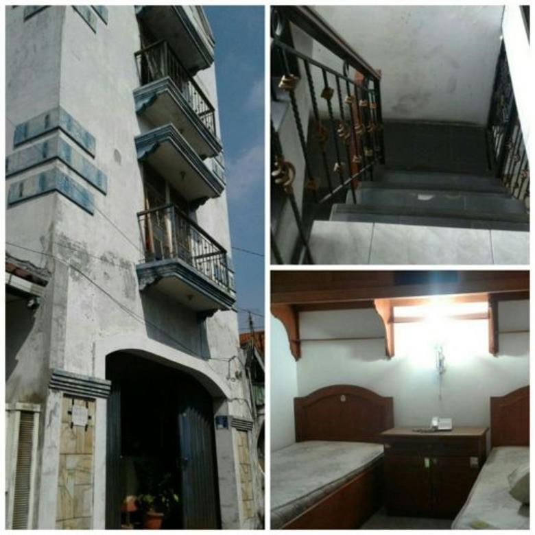 Dijual Rumah Kost Aktif 3 Lantai di Dinoyo Surabaya