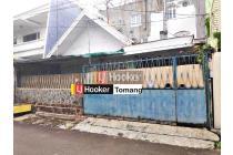 RUMAH lama lebar 10meter dihitung harga tanah di gelong Tomang Jakarta Barat
