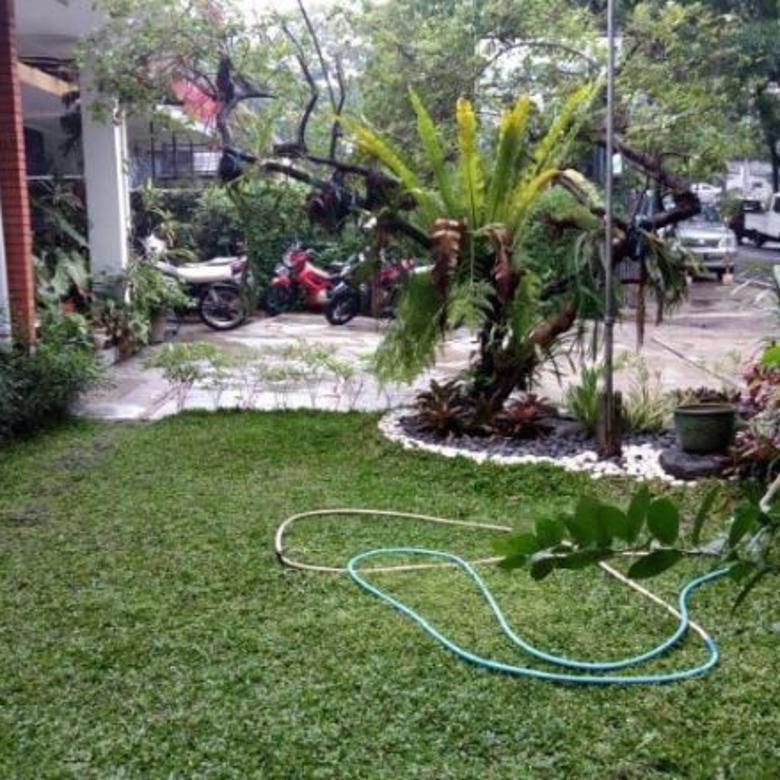 Rumah Terawat Lt 520m Sayap Riau Martadinata / Dago Bandung