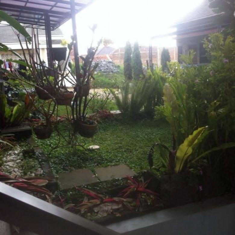 Rumah Semi Furnish Siap Huni di Komplek Sariwangi