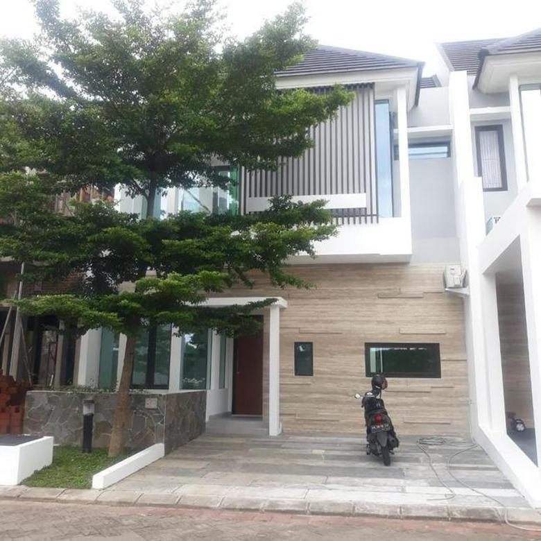 Rumah Elit 2 Lantai Full Furnish dekat UGM, JCM Mall, Malioboro, Hyatt