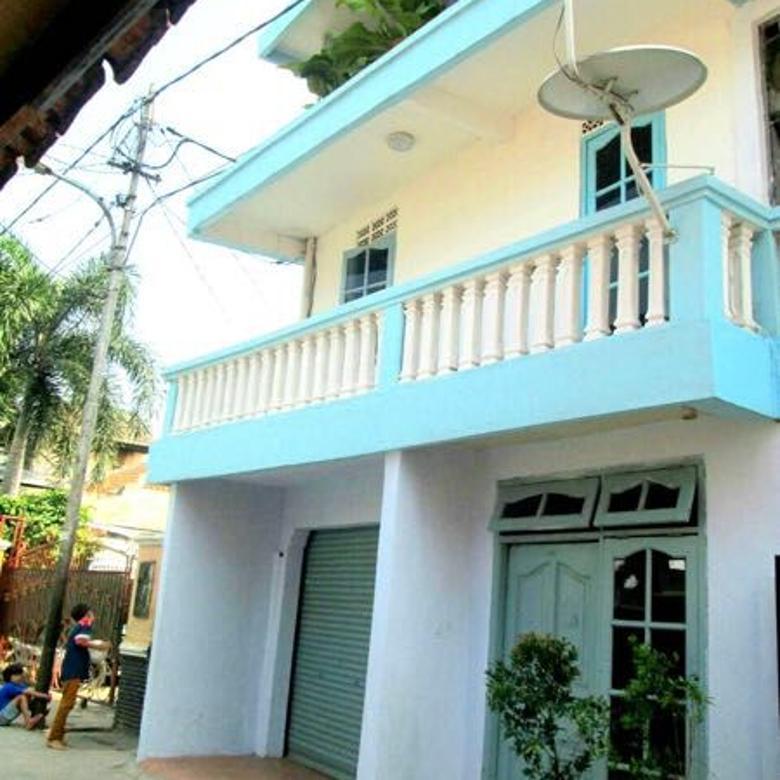 rumah cantik 3 lantai strategis dan bebas banjir murah