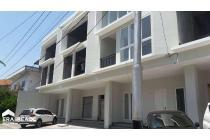 Ruang usaha atau kantor 3 lantai murah dan strategis di Pandanaran Semarang