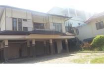 Jual Rumah Villa di Villa Istana Bunga, Main Road Lembang Band
