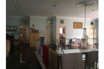Dijual Rumah Luas & Nyaman di Komplek Setrasari