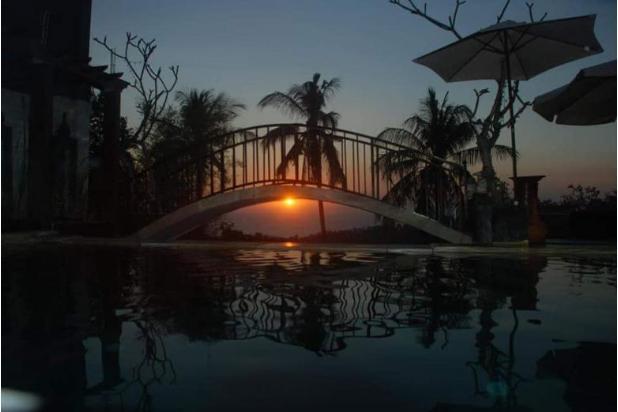 dijual cepat villa dengan full view sunset batu layar - lombok