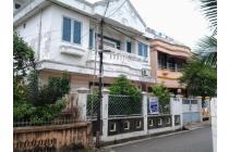 Rumah disewakan jl dempo dalam no 727