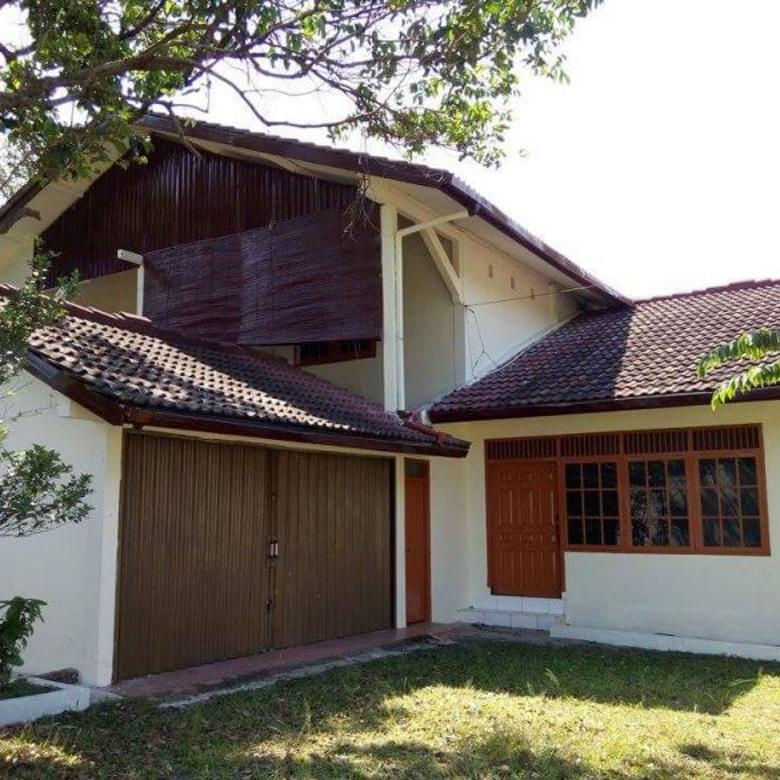beli rumah dengan tanah luas