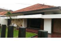 Rumah HITUNG TANAH di Dharmahusada Utara