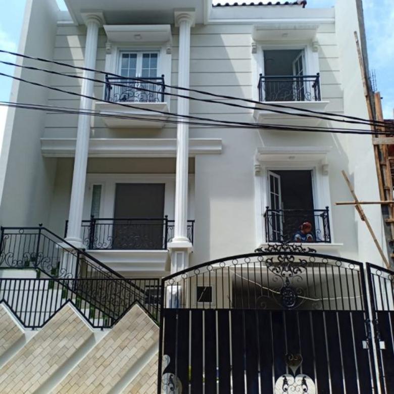 Rumah Baru 3 Lt Elegan CLUSTER Exklusif STRATEGIS di JAGAKARSA