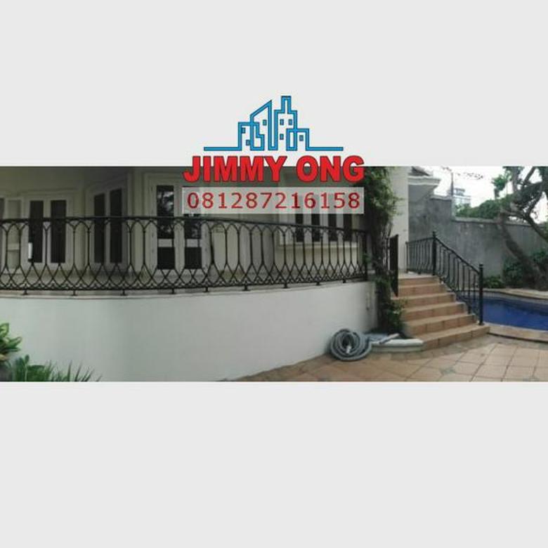 Rumah Mewah Townhouse Harga murah ada Kolam Renang di Ampera - Kemang Jakarta Selatan