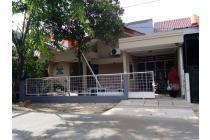 Rumah Rapi Siap huni di Pekayon Bekasi ada Garasi dan Carport jln 8mtr