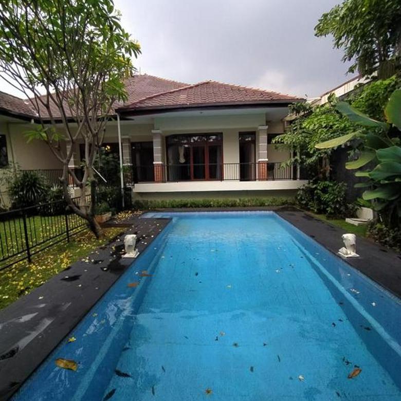 Rumah bagus dengan tanah sangat luas di Cipete - Jakarta Selatan