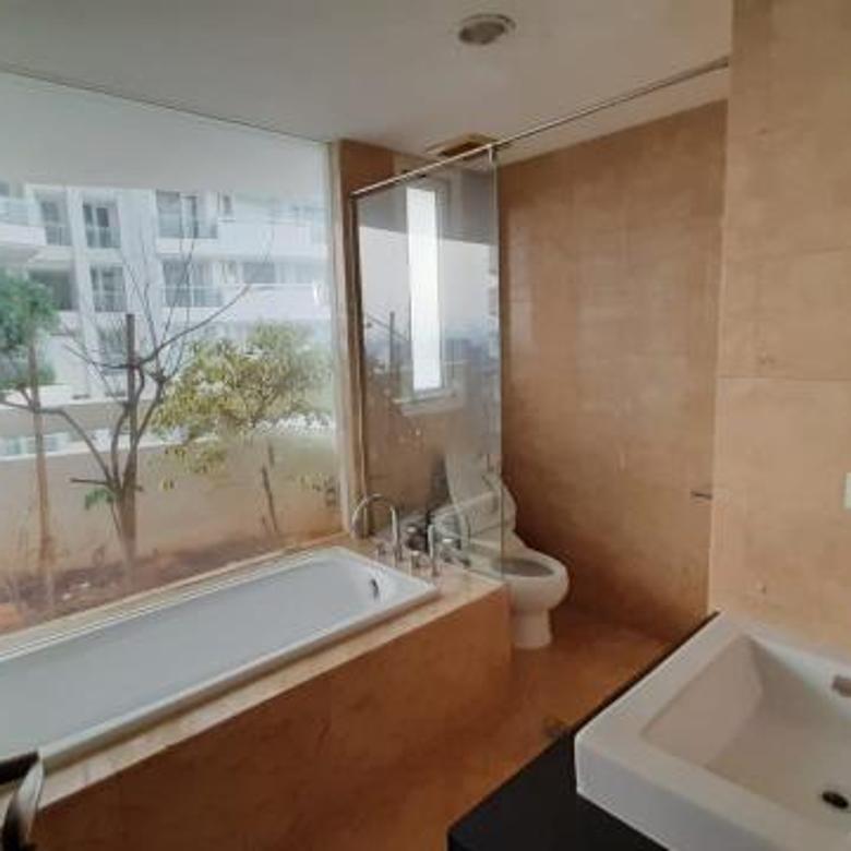 Hot deal Apartemen Royale Springhill Kemayoran 3 BR tower lavender lantai tinggi