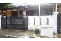 Rumah Tua dikawasan Strategis @Jl Pinang Mas, Pondok Indah