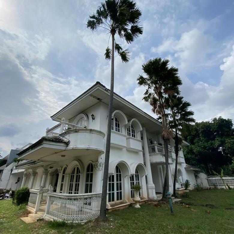 Rumah Lama Pondok Indah  - Harga beda tipis dengan PBB - Hadap Selatan dan Timur