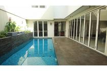 Beautiful House For Rent in Kebayoran Baru. Affordable Price