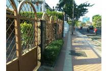 disewakan rumah : Jl.ry.darmo, surabaya.hub : 085104668881(wa).