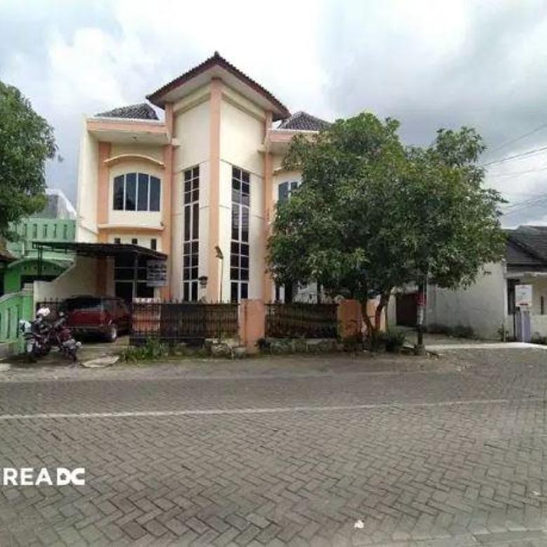 Rumah Mewah Siap Pakai Nyaman di Bumi Wanamukti Tembalang Semarang.
