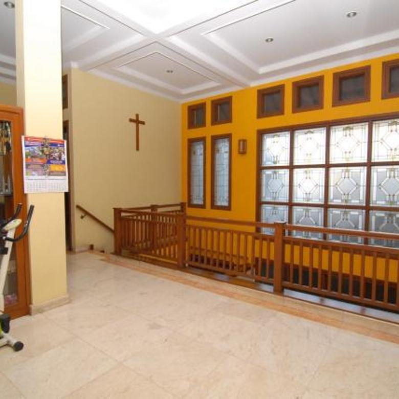 Rumah Bagus Minimalis Terawat di Sawah Kurung Bandung