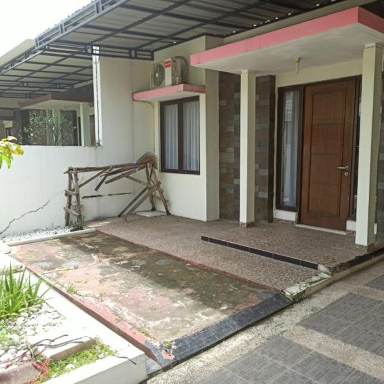 Dijual Rumah di Cluster Aralia Harapan Indah