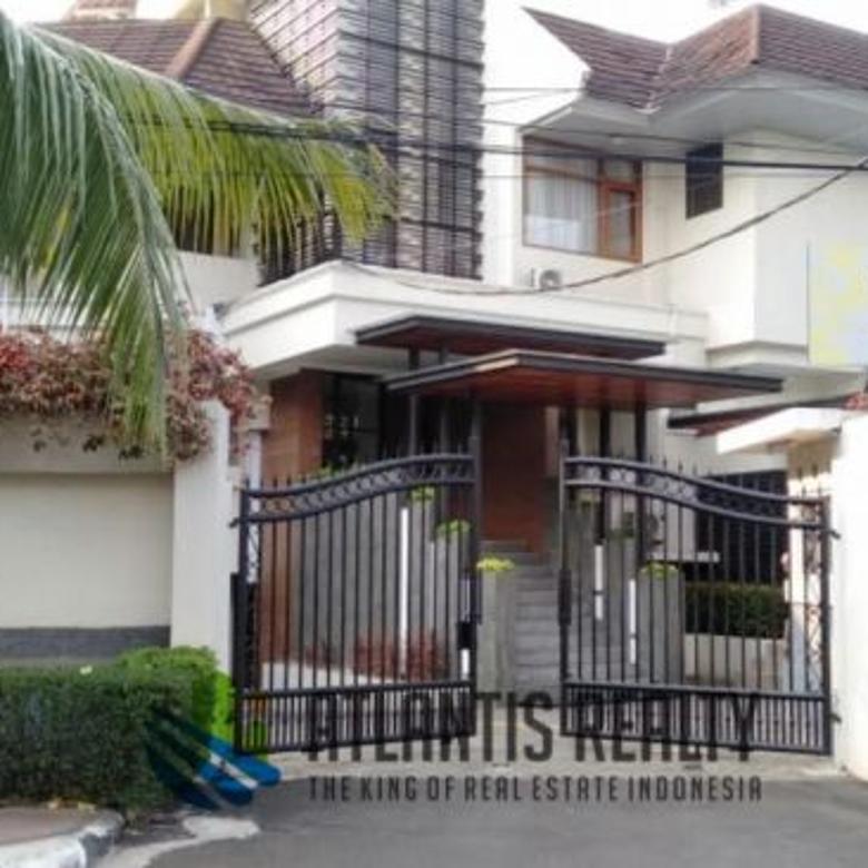 Dijual rumah/guest house di Jl Martimbang I Jakarta Selatan