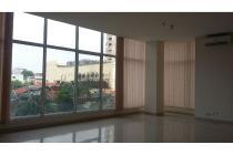 Ruko / office space di lingkungan apartemen Thamrin Residence & Executive