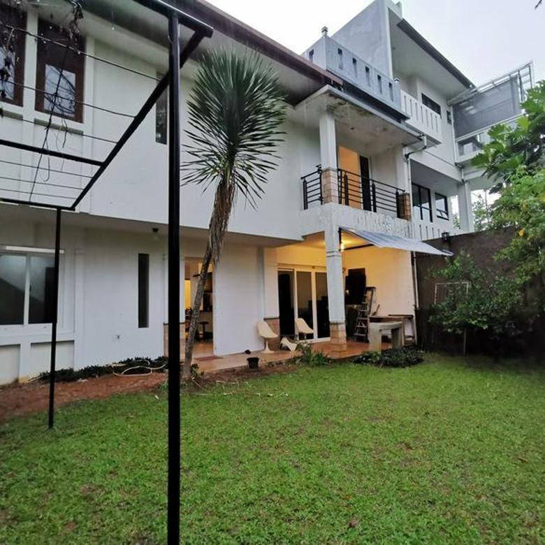 Rumah Resor Dago Pakar View Bukit, taman belakang luas, harga OK
