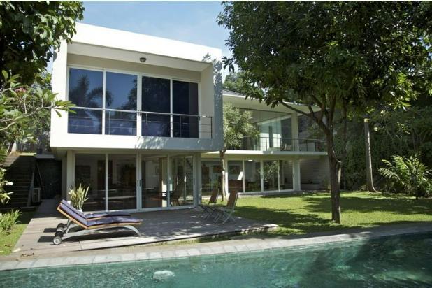 Dijual Rumah Cantik di Kemang,  Jakarta Selatan, Swimming Pool