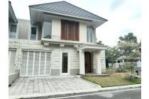 Rumah Hook Megah di Citra Grand Mutiara