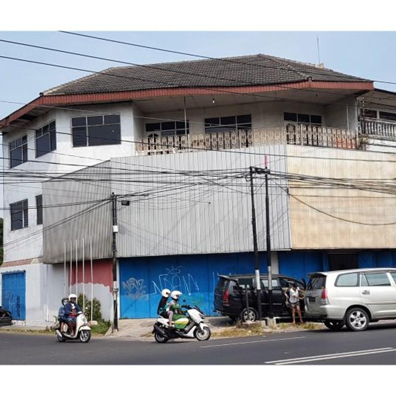 Rumah Toko 521 m2 Strategis Tepi Jalan Veteran Surakarta