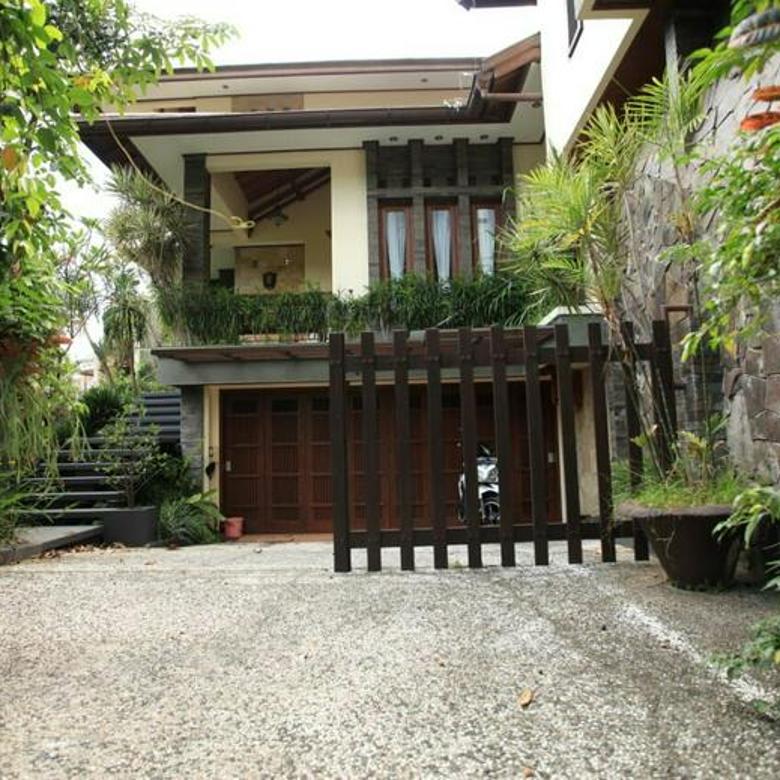 Rumah Lux Mewah di Setra Sari Bandung